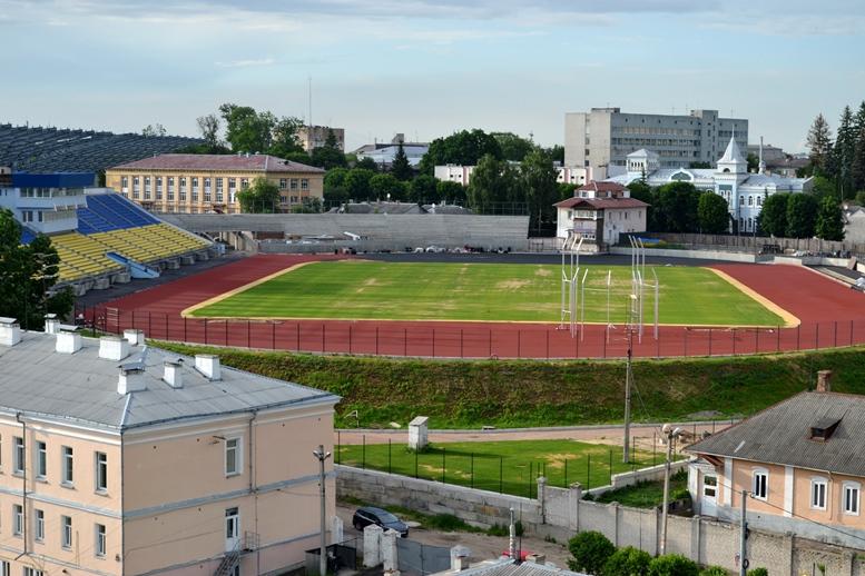 DSC 0195 - Червоні кільця 5 шт.: Житомир отримає стадіон з шизофренічною радянською мозаїкою (ФОТО)