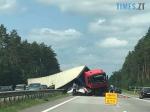 Screenshot 56 1 150x112 - Рух транспорту обмежено: на Житомирщині посеред траси перекинулася вантажівка