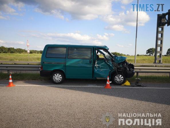 Screenshot 67 - На Житомирщині зіштовхнулись вантажівка та мікроавтобус, травмовано 2 людей (ФОТО)