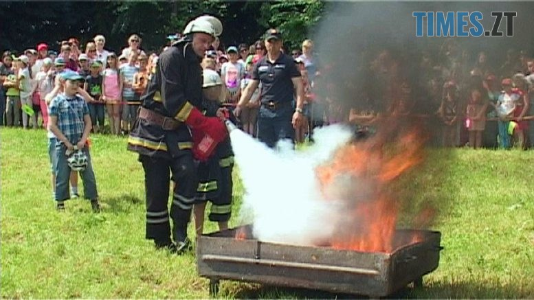 aktsiia 777x437 - У Бердичеві діти лікували, рятували і пожежу гасили (ВІДЕО)