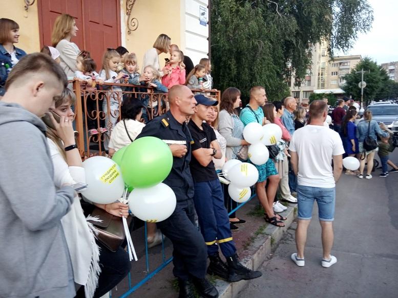 09 2 - За які кошти колишній чиновник Гундич два дні «фестивалив» на Михайлівській? (ФОТО, ВІДЕО)