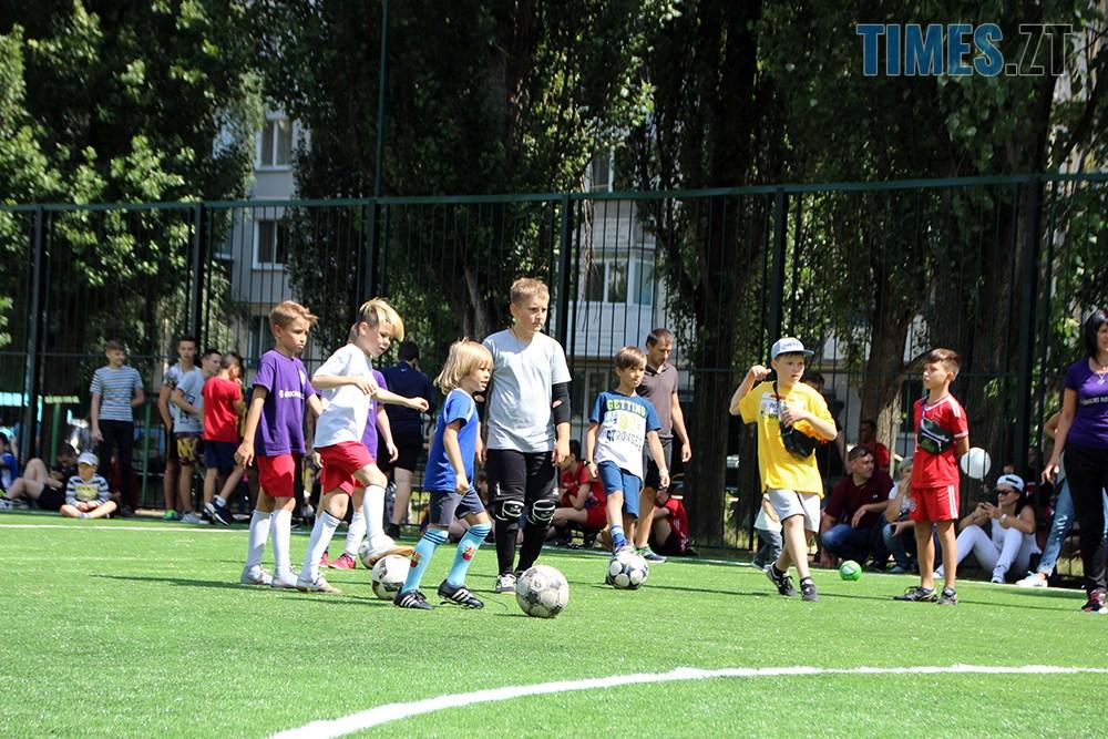 2 - Тепер у дворі Бориса Тена 100 та 102 є нове футбольне поле, - Борислав Розенблат (ВІДЕО, ФОТО)