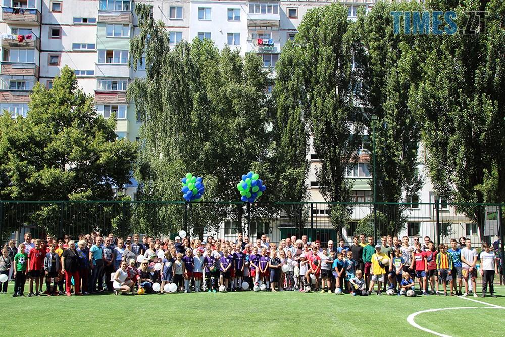 IMG 5351 - Тепер у дворі Бориса Тена 100 та 102 є нове футбольне поле, - Борислав Розенблат (ВІДЕО, ФОТО)