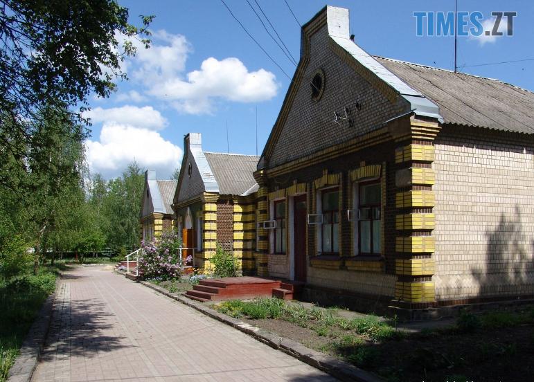 67676131 480771846019325 4021411517428662272 n - На Житомирщині існує унікальний вокзал, до якого ніколи не прибували потяги (ФОТО)
