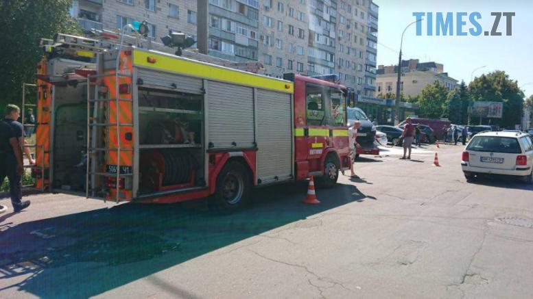 Screenshot 15 3 777x437 - У центрі Житомира під час ДТП загорілося авто (ФОТО)