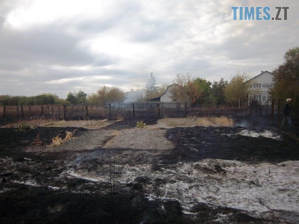 100 4642 1024x768 - Житомирщина: під час спалювання сухостою чоловік підпалив 5 приватних домоволодінь (ФОТО)