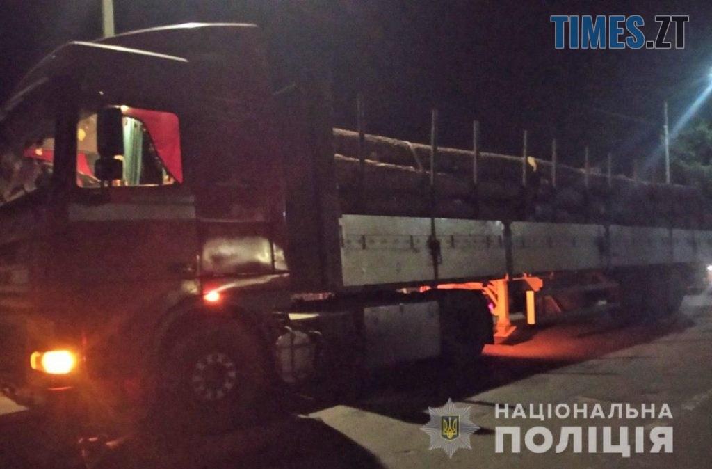 """11 44 11 1 1024x674 - На Житомирщині затримали вантажівку вщент набиту """"лівою"""" деревиною"""