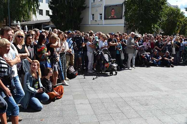 11 - «Грєбєнь» на Михайлівській: «Акваріум» почав у Житомирі з безплатного виступу (ФОТО)