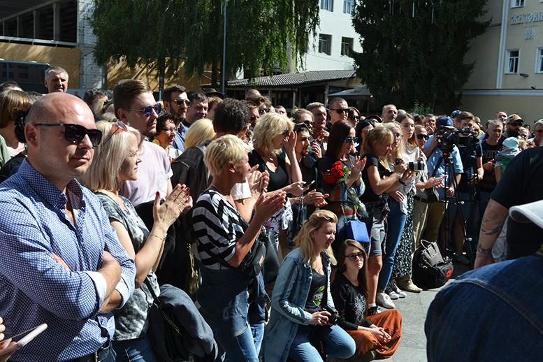 14 - «Грєбєнь» на Михайлівській: «Акваріум» почав у Житомирі з безплатного виступу (ФОТО)