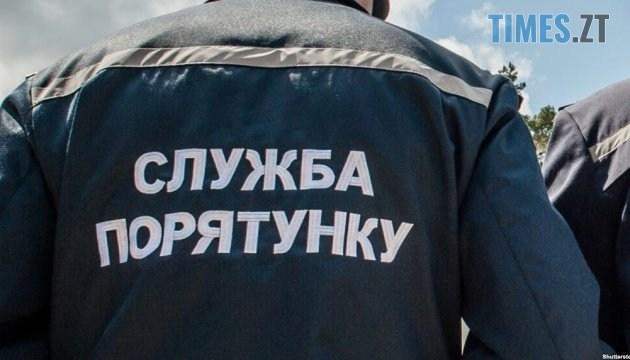 630 360 1511519698 3409 - На Житомирщині легковик врізався в дерево, водія довелося деблокувати рятувальникам