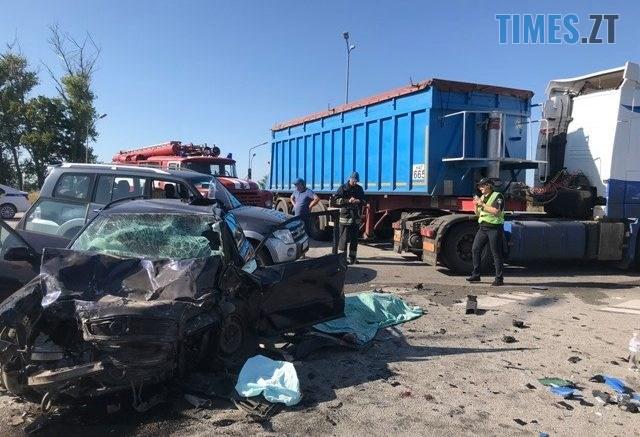 69725742 2206121289492962 3069015030780395520 n 640x437 - Житомирщина: унаслідок зіткнення вантажівки з легковиком 5 пасажирів постраждали, а водій загинув (ФОТО)