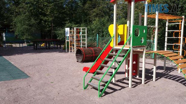 Screenshot 10 5 - У Житомирі облаштували ще один сучасний дитячий майданчик (ФОТО)