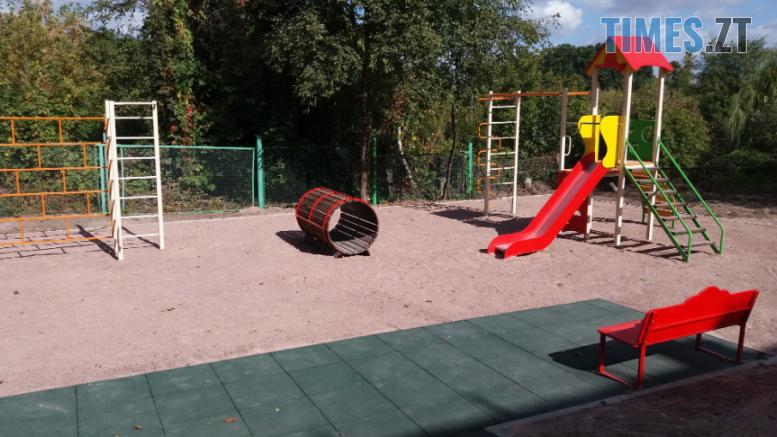 Screenshot 11 4 777x437 - У Житомирі облаштували ще один сучасний дитячий майданчик (ФОТО)
