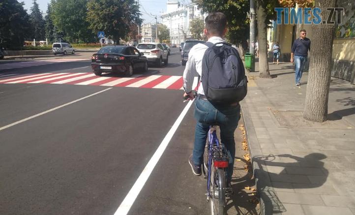Screenshot 36 1 722x437 - Житомир: Ткачук переконує, що нова велосмуга на Великій Бердичівській відповідає всім нормам ДБН