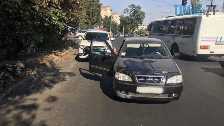 TZ  777x437 - Новоград-Волинський: на пішоходному переході водійка легковика травмувала пенсіонерку