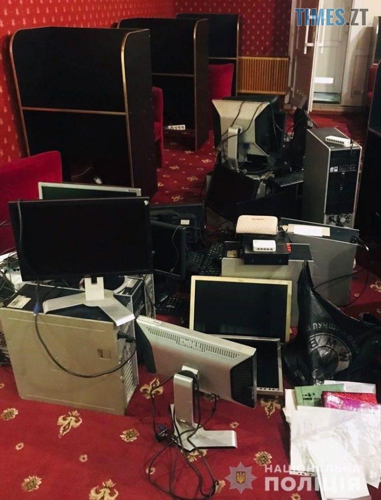 kompy 781x1024 - Викриття року: правоохоронці припинили діяльність 20 підпільних ігрових закладів у Коростені (ФОТО/ВІДЕО)