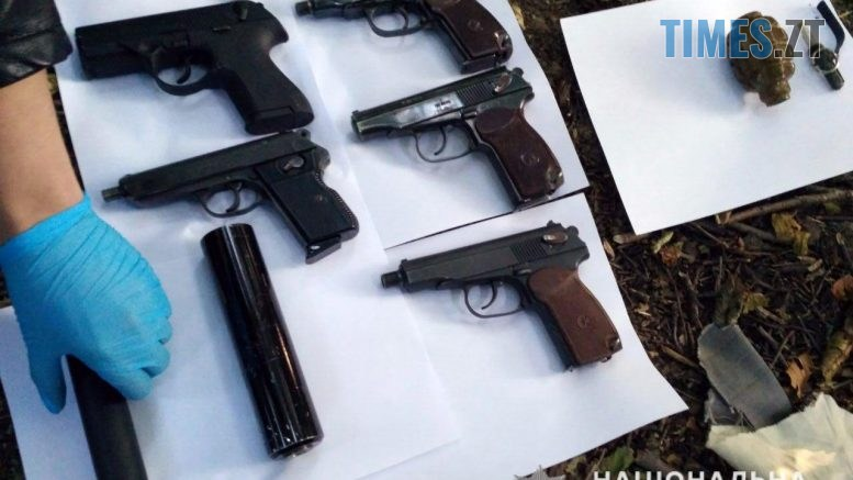 napad 22 1 777x437 - Озброєний напад на інкасаторів в Житомирі: одного з грабіжників затримано