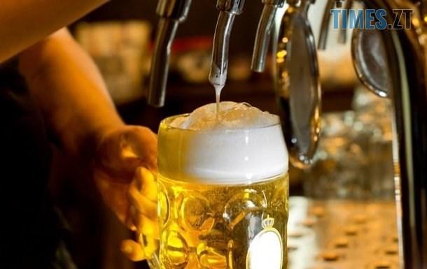 2406282 - Українці дотримуються здорового способу життя: продажі безалкогольного пива суттєво зросли