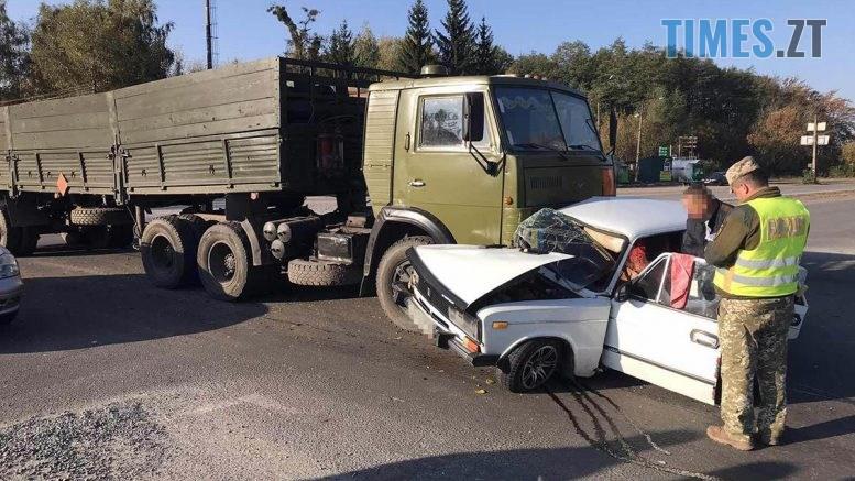 zobrazhennia viber 2019 10 09 10 06 25   777x437 - Троє людей постраждали: на Житомирщині КамАЗ протаранив легковик