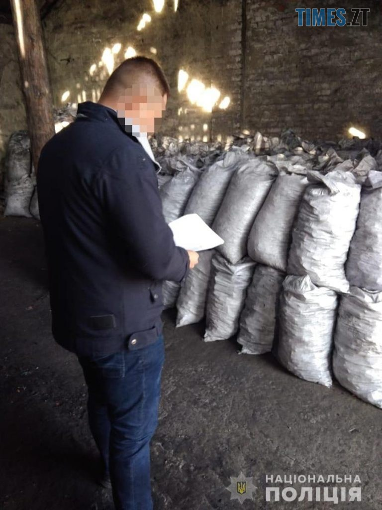 10 s 768x1024 - Резонансне викриття: на Житомирщині викрили підприємство, яке розкрадало ліс для масштабного експорту (ФОТО)