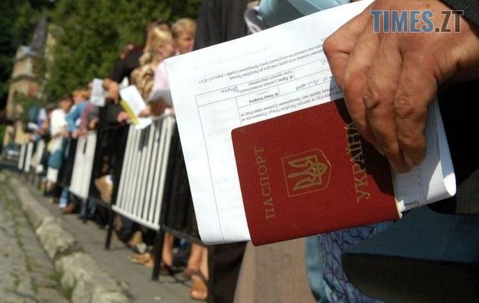 mihratsiia big 690x437 - Фахівці повідомили, скільки українських заробітчан працює у Польщі