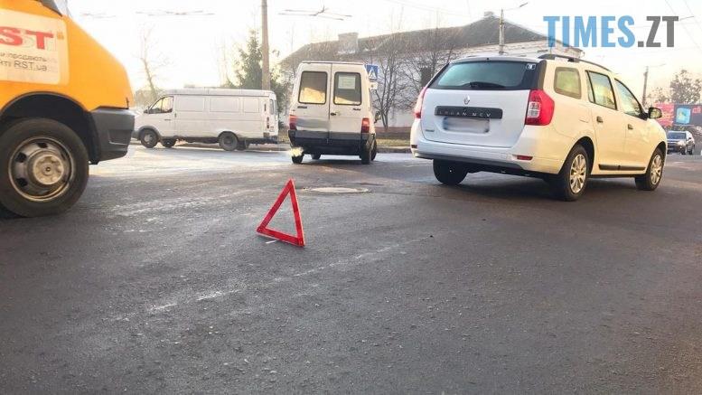 15 12 25  777x437 - У Житомирі іноземець на авто збив пішоходку, поліція встановлює обставини ДТП (ФОТО)