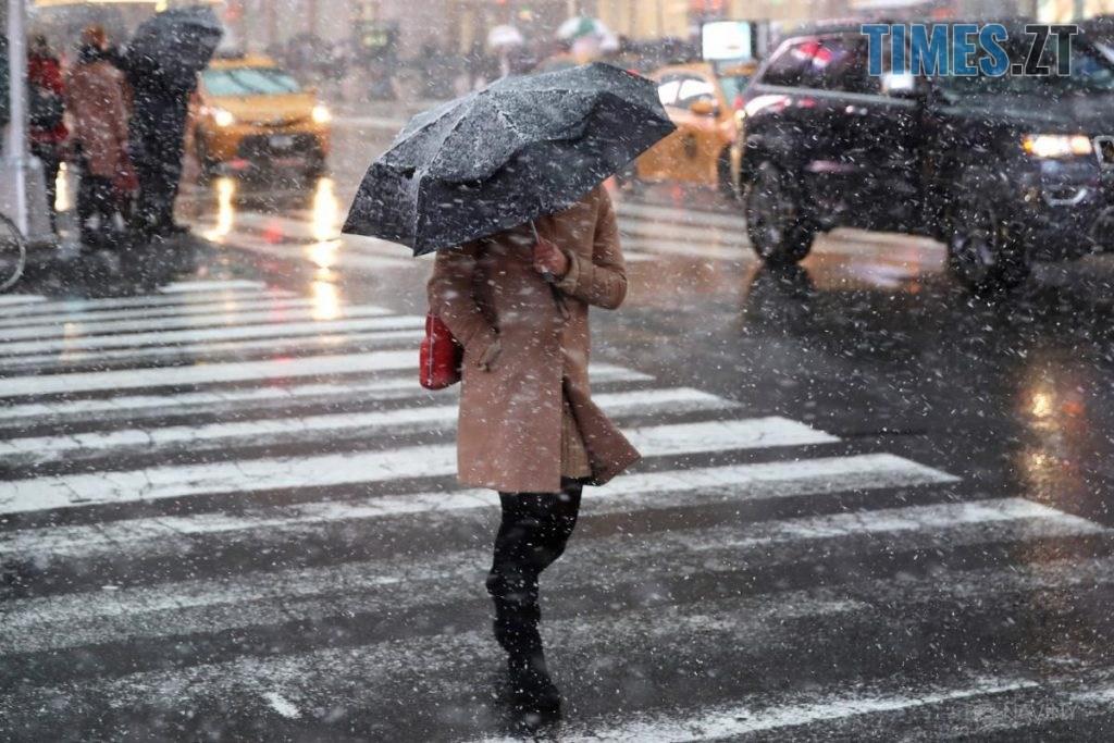 LjzUtjKPC5o 1024x683 - Погіршення погодних умов: поліція Житомира закликає водіїв та пішоходів бути обережними