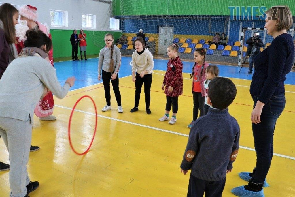 """img1577183857 12 1024x683 - У Житомирі провели """"Новорічні старти """"для особливих діток (ФОТО)"""