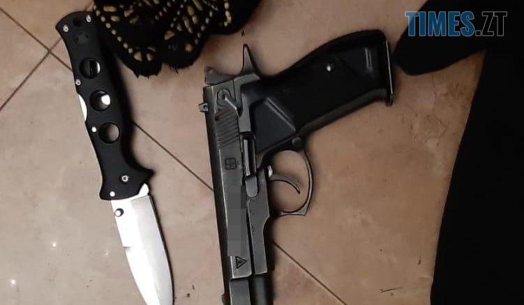 pistolet1 751x437 - Житомирські спецпризначенці затримали під столицею озброєну банду розбійників (ФОТО)