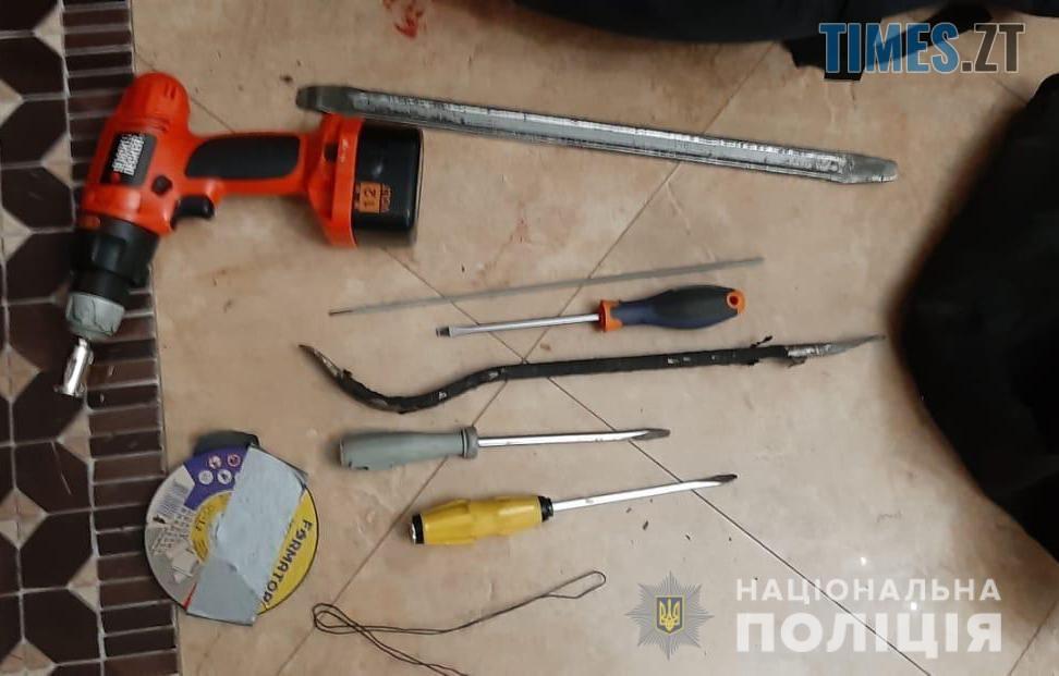 vykrutky - Житомирські спецпризначенці затримали під столицею озброєну банду розбійників (ФОТО)