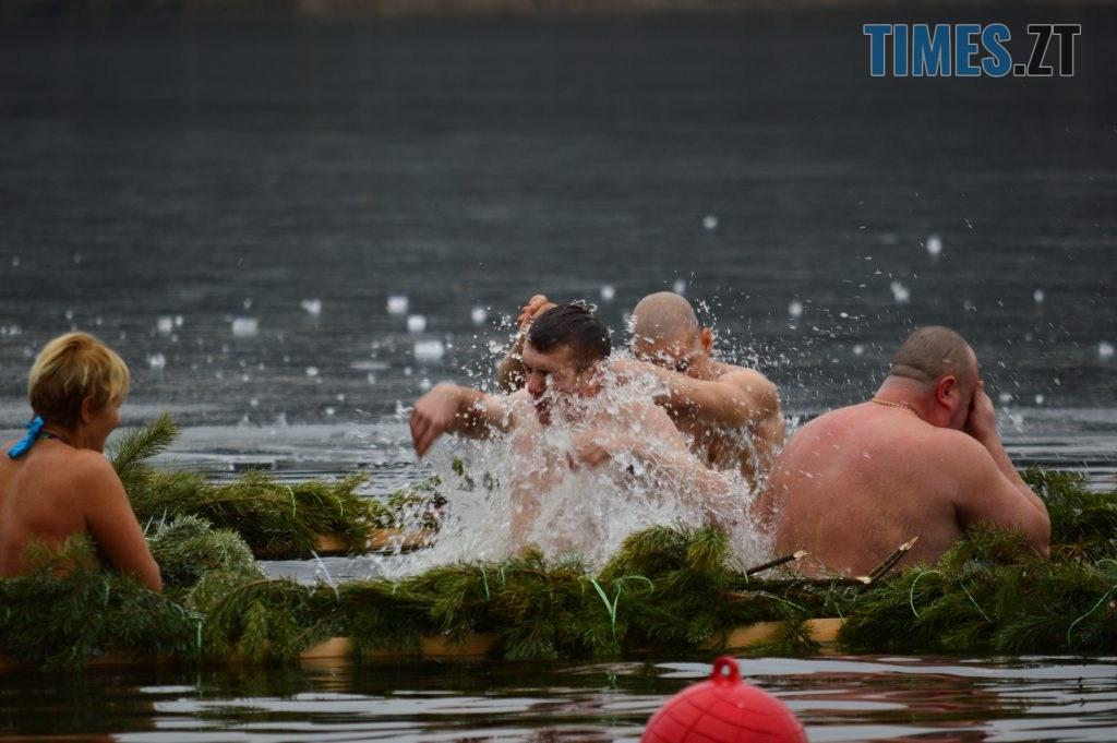 DSC 0058 1024x681 - Святкування Водохреща у Житомирі: купання, розваги та смачна їжа (ФОТО)