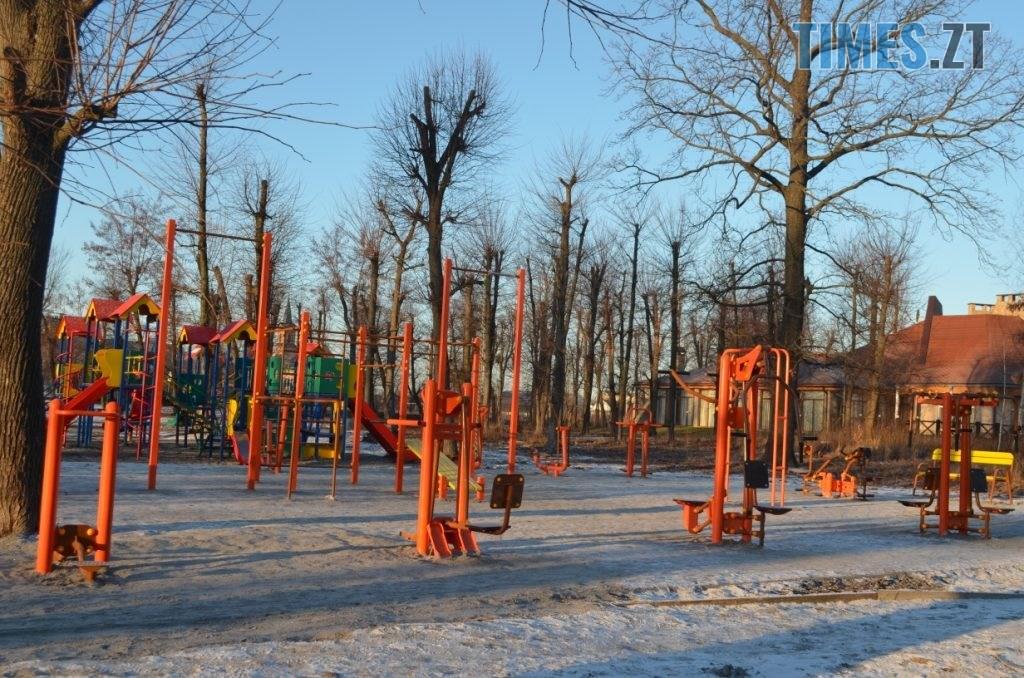 img1578485046 8 1024x678 - У Житомирі встановили ще один дитячий спортивний майданчик (ФОТО)