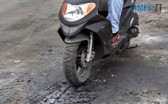 original photo - У Коростишеві затримали парубка, причетного до незаконного заволодіння чужим мотоциклом
