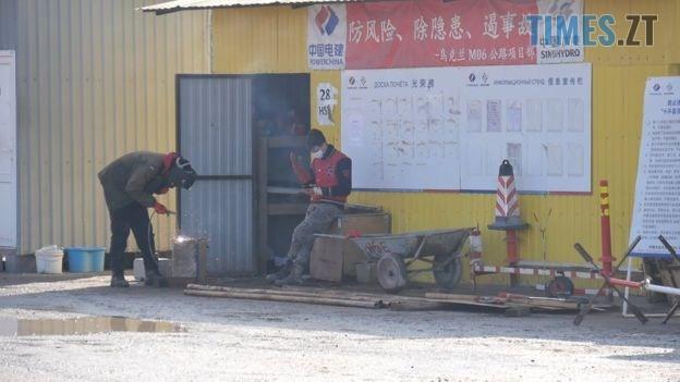 111003820 bbc.00 19 07 48.still026 - «Ми чекаємо на його повернення»: колеги ізольованого китайця з нетерпінням чекають на зустріч