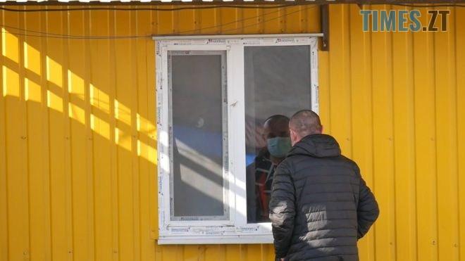 111003827 bbc.00 20 14 01.still031 - «Ми чекаємо на його повернення»: колеги ізольованого китайця з нетерпінням чекають на зустріч