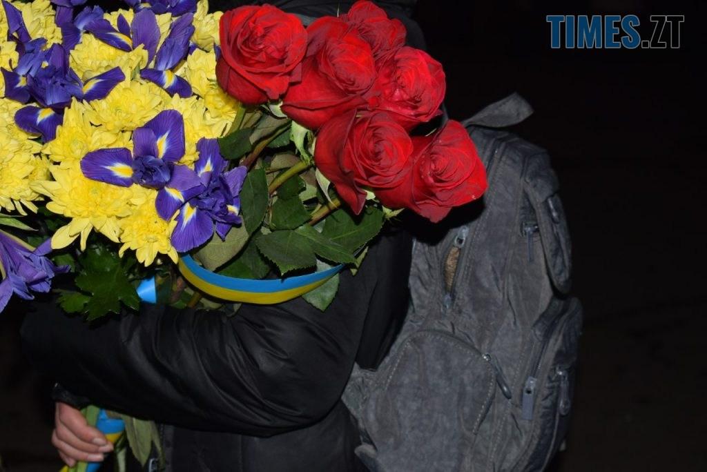 2aed6d70 58fc 4935 81ed 5a5c934e43e6 1024x684 - Житомиряни відтворили реконструкцію подій Майдану та вшанували Героїв Небесної Сотні (ФОТО)
