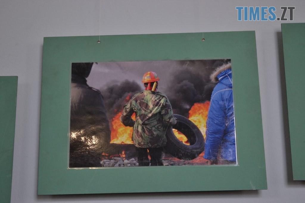 DSC 0031 1 1024x683 - «Скам'янілі душі»: У Житомирі Леонід Шрайбікус презентував фотовиставку про Героїв Небесної Сотні (ФОТО)
