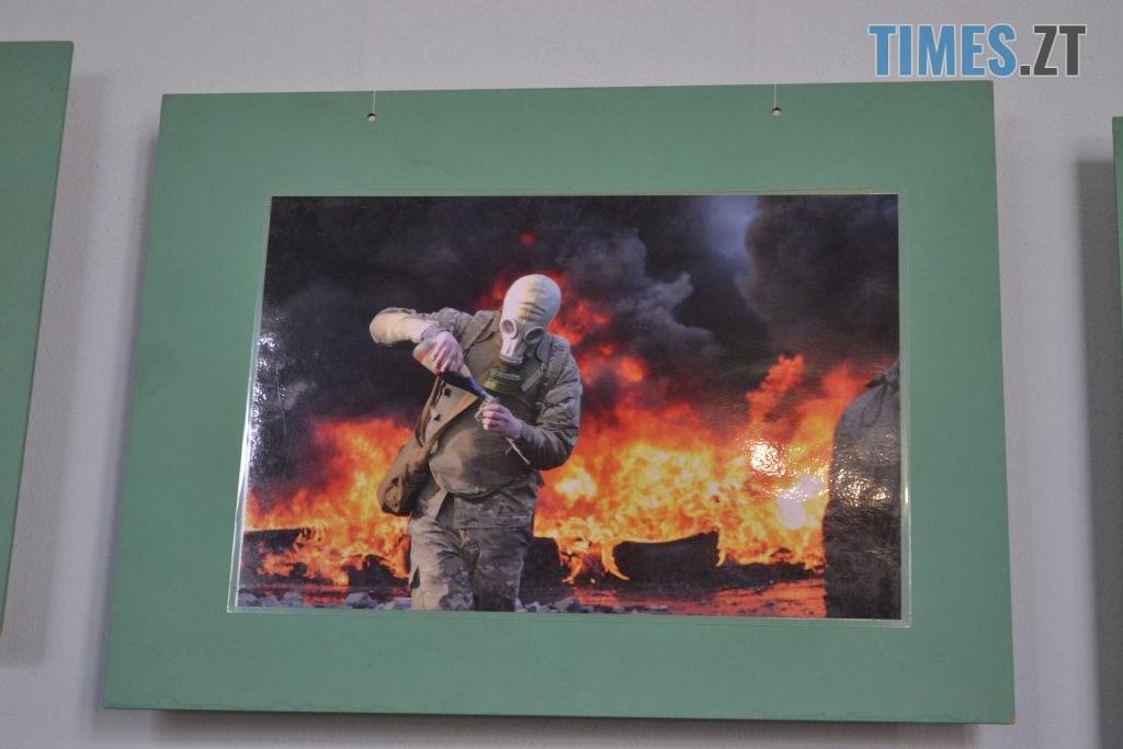 DSC 0032 1024x683 - «Скам'янілі душі»: У Житомирі Леонід Шрайбікус презентував фотовиставку про Героїв Небесної Сотні (ФОТО)
