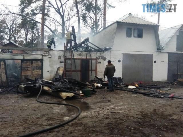 IMG 3253 - Під Житомиром горів гаражний кооператив, пожежу ліквідовували близько чотирьох годин (ФОТО)