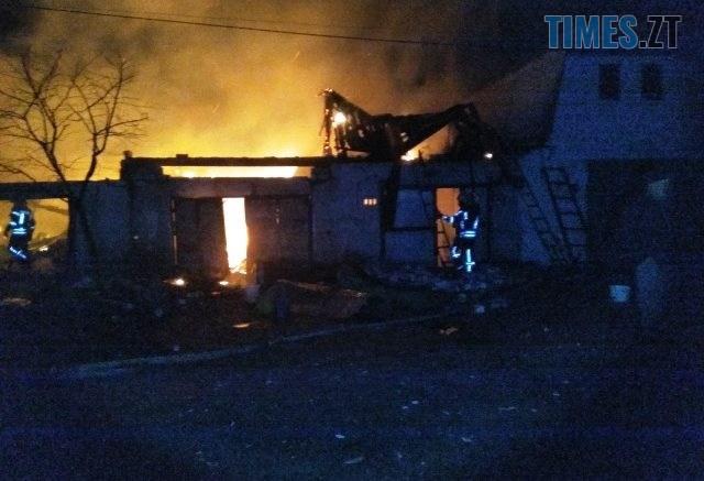 IMG 3254 640x437 - Під Житомиром горів гаражний кооператив, пожежу ліквідовували близько чотирьох годин (ФОТО)