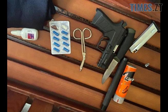 Screenshot 13 654x437 - У міськраді Житомира затримали двох озброєних до зубів чоловіків (ФОТО)