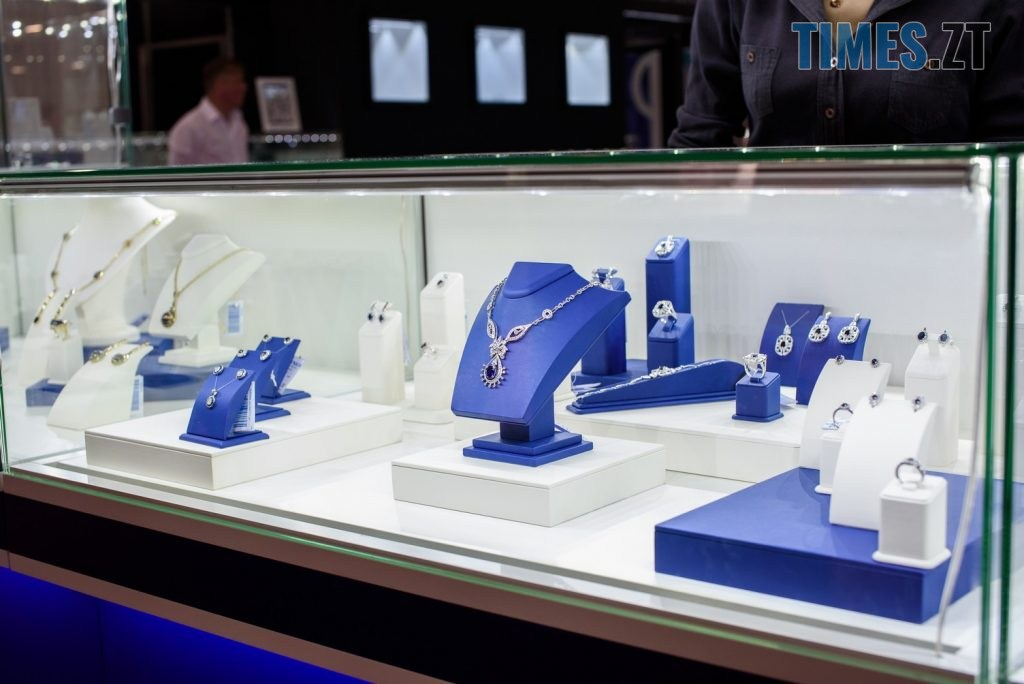 fb095892c32053defb52dc73d71a3399 1024x684 - Київський ювелірний завод пропонує прикраси на будь-який смак і розмір гаманця