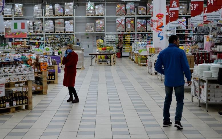 18 - Зе-карантин: черги за їжею та грошима – і єдиний в Житомирі «живий» кафетерій (ФОТО)