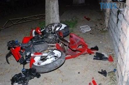 8acdec28293a7ada7ddbeb4905b0f055 preview w440 h290 - У Житомирі мотоцикліст на шаленій швидкості влетів у стовп і загинув