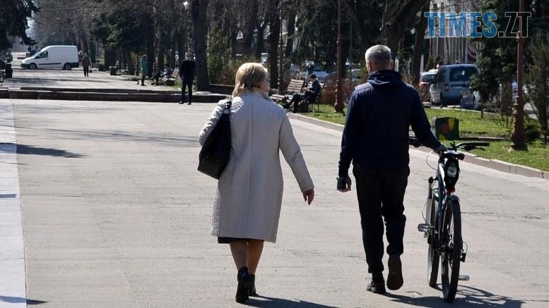 01 9 - Житомирські «сімнадцятитисячники» демонстративно порушують заборони (ФОТО)