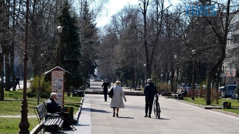 02 9 - Житомирські «сімнадцятитисячники» демонстративно порушують заборони (ФОТО)