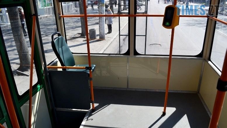 03 13 - COVID-19: як обрати у житомирському тролейбусі максимально безпечне місце (ФОТО)