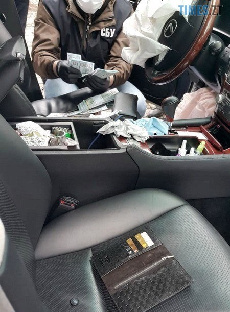 03 14 - СБУ затримала шахрая, який продавав посади у Кабміні. Його прізвище Єрмак? (ФОТО)
