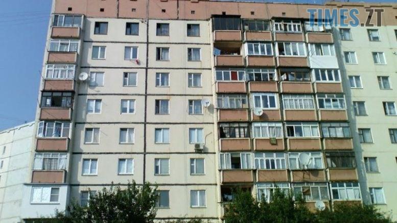 bagatopoverhivka 777x437 - У міськраді показали, як дезинфікують під'їзди в Житомирських багатоповерхівках (ФОТО)