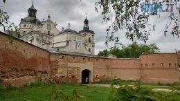 IMG 20200506 122333 HDR 260x146 - Бердичівський фортечний мур: половина в реконструкції, решта – в руйнації над проїжджою частиною (ВІДЕО)